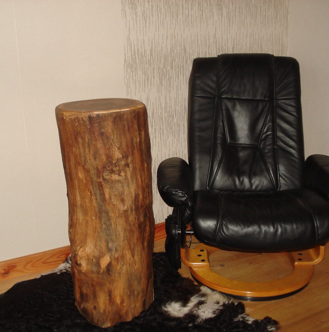 dekorative holzs ule ausgeh hlt und getrocknet. Black Bedroom Furniture Sets. Home Design Ideas